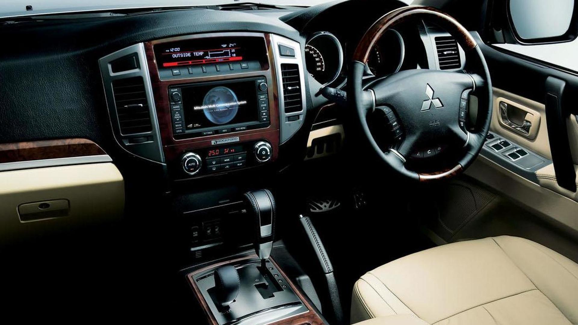 Mitsubishi Pajero VR 3.0 Features