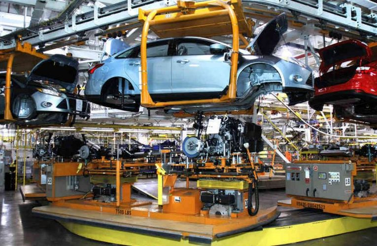 Toyota and Suzuki Resumed Car Production In Pakistan