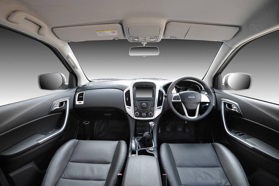 JMC Vigus 4x4 Double Cab Interior